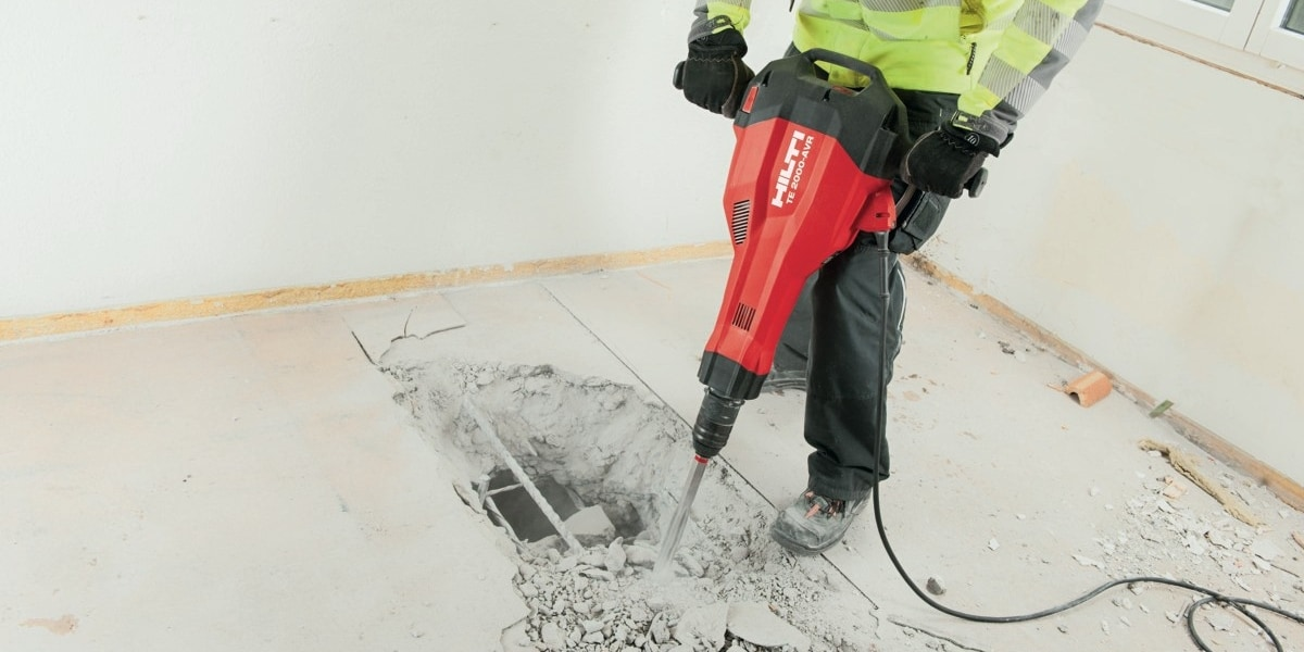 Hilti TE 200-AVR for controlled floor breaking